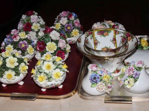 Aynsley and Royal Doulton china posies, Royal Albert Country Roses, three...