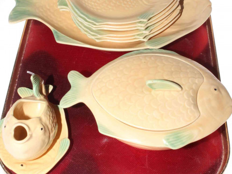 Shorter & Sons fish service including tureen, sauce boat and stand, serving...