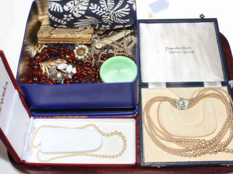 Collection of costume jewellery, pearl necklaces, etc.