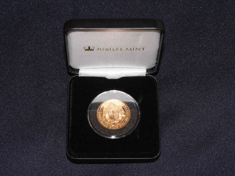 A 500th Anniversary 22 carat gold proof double sovereign (£2) 1989.
