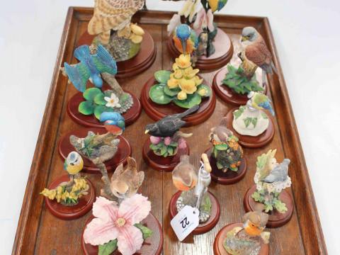 Fourteen Border Fine Arts ornithological models.