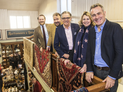 FILMING DATE WITH CHILDREN'S TV STARS FOR CELEBRITY ANTIQUES ROAD TRIP